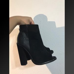 Shoemint Black Booties